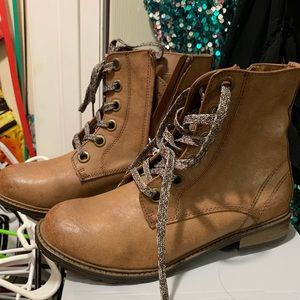 New Cat & Jack Boots 5Y